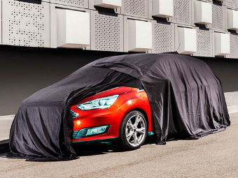 Ford показал кусочек обновленного компактвэна C-Max