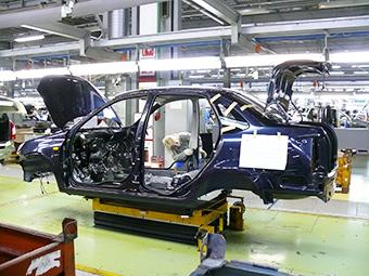 В России на треть сократился выпуск автомобилей