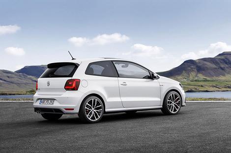 Volkswagen привезет в Париж обновленный хот-хэтч Polo GTI. Фото 1