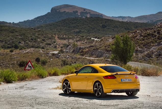 Тест-драйв Audi TT - спорткупе, в котором сила неплохо уживается с интеллектом. Фото 13