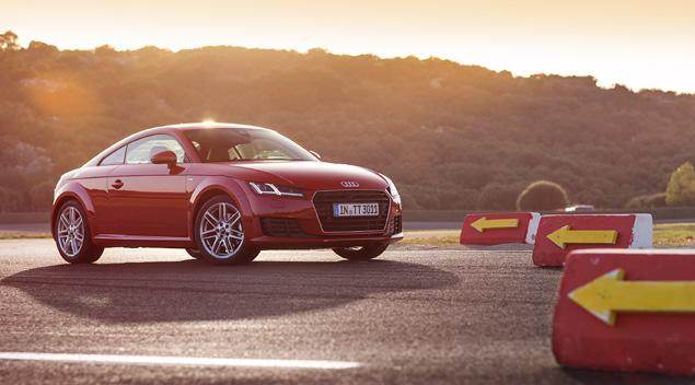 Тест-драйв Audi TT - спорткупе, в котором сила неплохо уживается с интеллектом. Фото 16