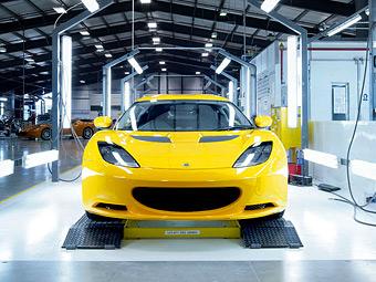 Lotus уволит четверть сотрудников