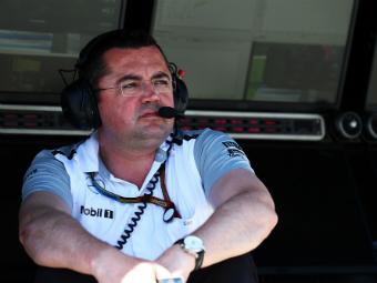 Команда McLaren обвинила Red Bull в передаче кодированных сообщений