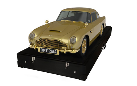 За масштабную модель Aston Martin DB5 отдали 90 тысяч долларов. Фото 1