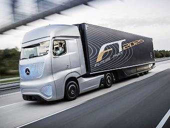 Mercedes-Benz оснастил грузовик автопилотом