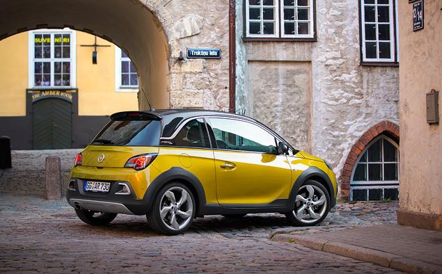 Тест-драйв Opel Adam Rocks, или как кабриолет с кроссовером одну машину не поделили. Фото 7