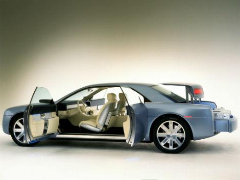 С молотка уйдет концептуальный Lincoln Continental 2002 года выпуска