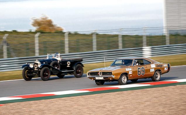 Чем живут владельцы классических автомобилей, приехавшие на гонку Moscow Classic Grand Prix. Фото 9