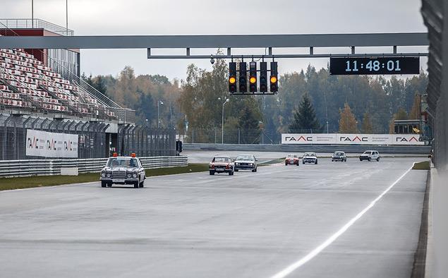 Чем живут владельцы классических автомобилей, приехавшие на гонку Moscow Classic Grand Prix. Фото 14