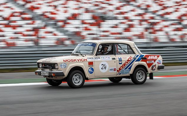 Чем живут владельцы классических автомобилей, приехавшие на гонку Moscow Classic Grand Prix. Фото 20
