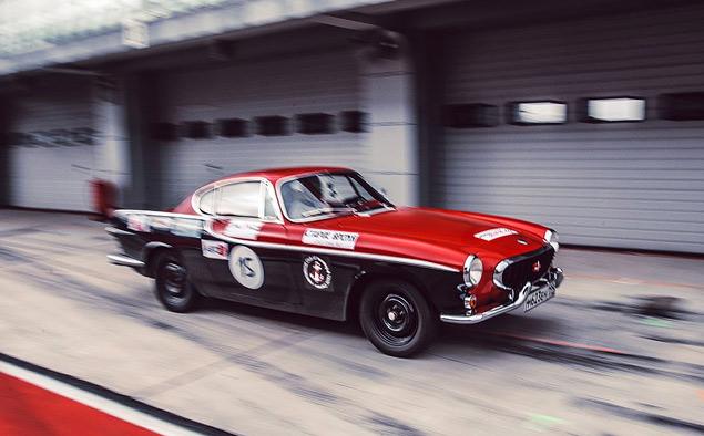Чем живут владельцы классических автомобилей, приехавшие на гонку Moscow Classic Grand Prix. Фото 31