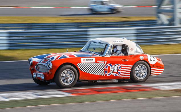 Чем живут владельцы классических автомобилей, приехавшие на гонку Moscow Classic Grand Prix. Фото 37