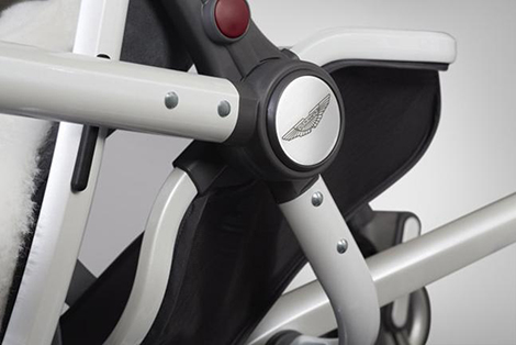 Aston Martin и компания Silver Cross создали новую коляску