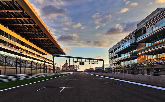 Гонка Формулы-1 в Японии закончилась аварией пилота Marussia. Фото 15