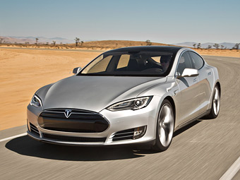 Tesla присоединится к гонке создателей машин-беспилотников