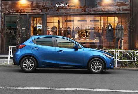 Хэтчбек Mazda2 нового поколения будет предлагаться с четырьмя моторами. Фото 1