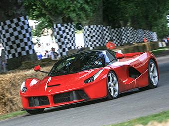 Компания Ferrari вывела на тесты трековый LaFerrari