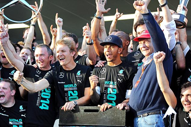 Льюис Хэмилтон выиграл первый в истории Гран-при России. Фото 3