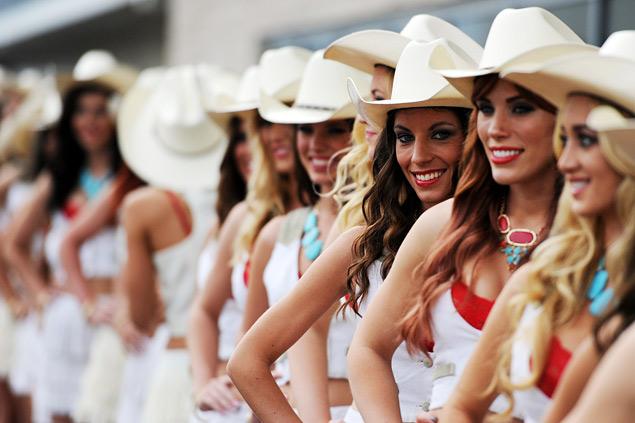 Льюис Хэмилтон выиграл первый в истории Гран-при России. Фото 18