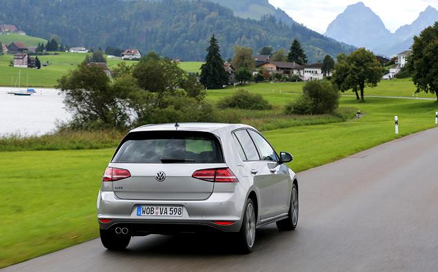 """Тест Volkswagen Golf GTE — первого """"горячего"""" хэтчбека на бензоэлектротяге. Фото 6"""