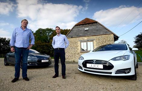 """В Великобритании создали бесплатную сеть """"заправок"""" для электрокаров Tesla"""