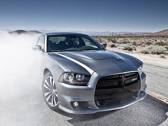 Chrysler отзовет 900 тысяч машин из-за риска возгорания
