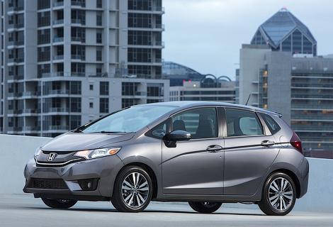 За титул лучшего экологичного автомобиля поборются пять моделей. Фото 2