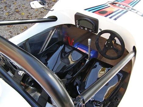 Фирма ATS создала сверхлегкий спорткар с мотором от мотоцикла Suzuki. Фото 3
