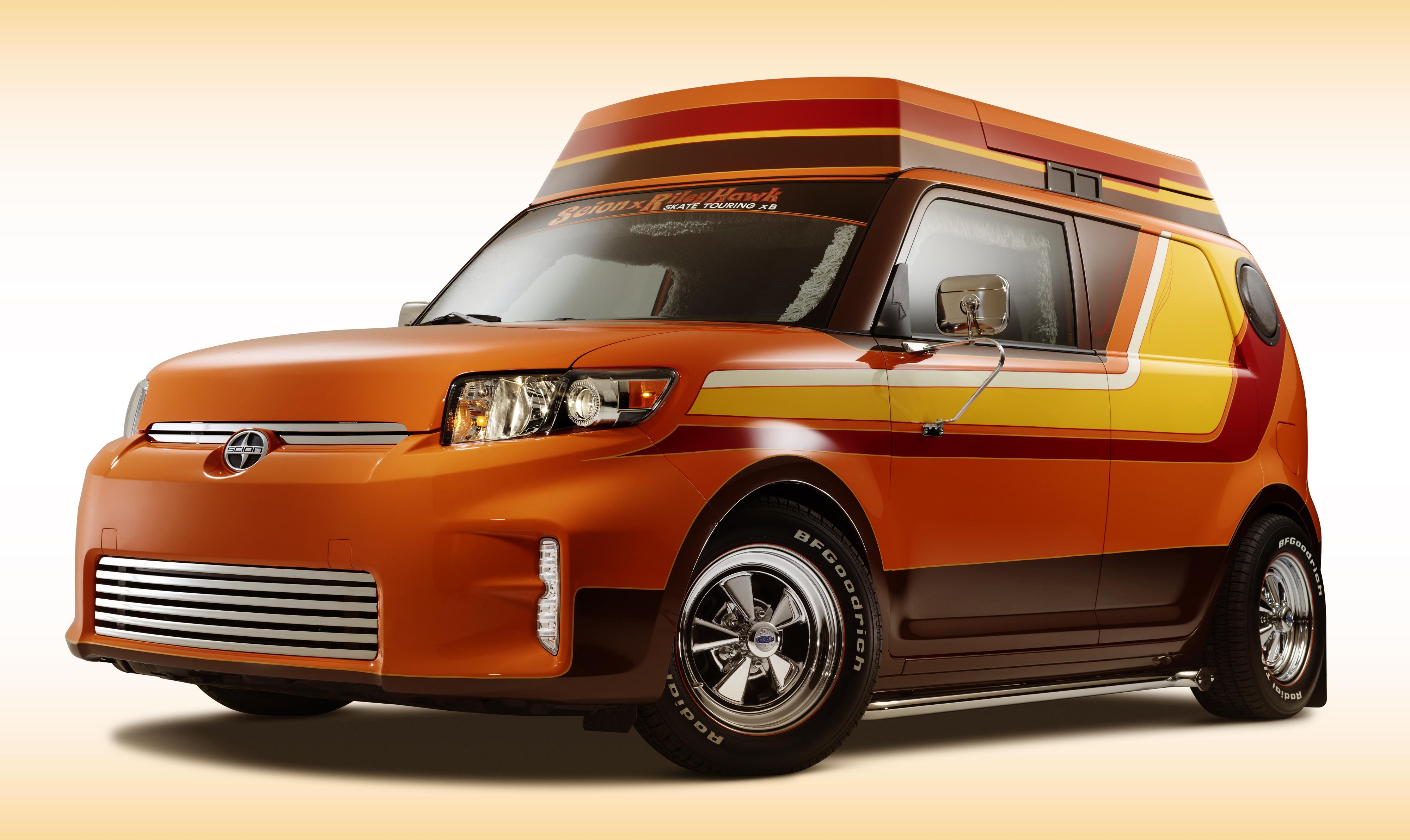 Компания Scion представит на SEMA шесть тюнингованных машин. Фото 2