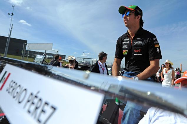 Льюис Хэмилтон выиграл пятую гонку Формулы-1 подряд. Фото 3
