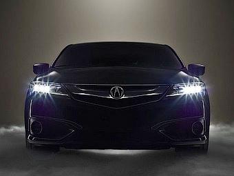 «Акура» поделилась новым снимком обновленного седана ILX