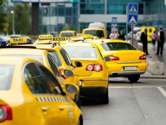 В Москве введут отдельный штраф за парковку на месте для такси
