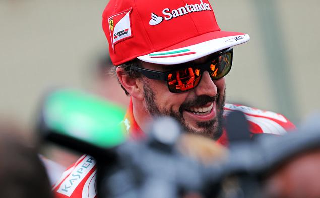 Росберг перед финальной гонкой Формулы-1 сократил отставание от Хэмилтона. Фото 1