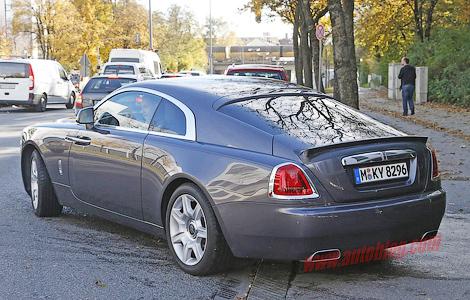 """Компания начала испытания """"заряженной"""" модификации купе Wraith"""