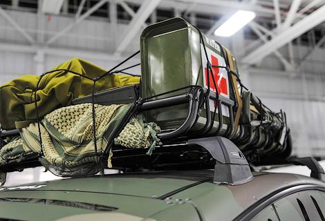 Американцы построили ко Дню ветеранов спецверсию электроседана. Фото 1