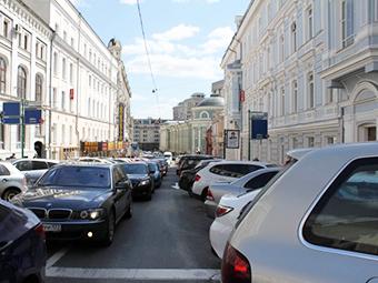 Москва в четыре раза увеличит число пеших парковочных инспекторов