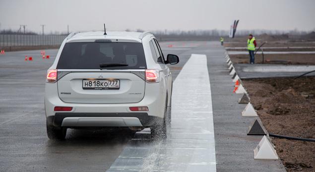 "Тест Mitsubishi Outlander Sport с ""умной"" системой полного привода. Фото 4"