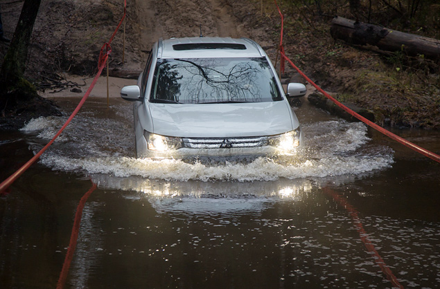 "Тест Mitsubishi Outlander Sport с ""умной"" системой полного привода. Фото 6"