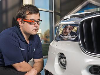 Рабочим завода BMW в США выдали очки Google Glass