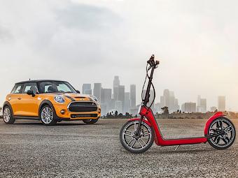 Компания MINI разработала электрический скутер-самокат