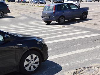 В России запретили обгоны на пешеходных переходах