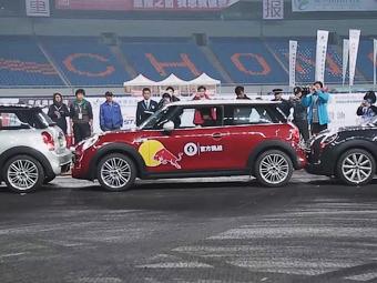 Китаец установил рекорд Гиннесса по параллельной парковке