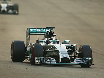 Льюис Хэмилтон стал двукратным чемпионом Формулы-1