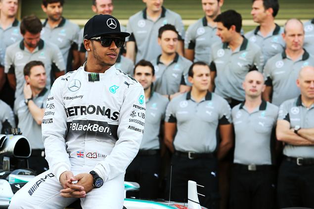 Льюис Хэмилтон выиграл в Абу-Даби и стал новым чемпионом Формулы-1. Фото 1