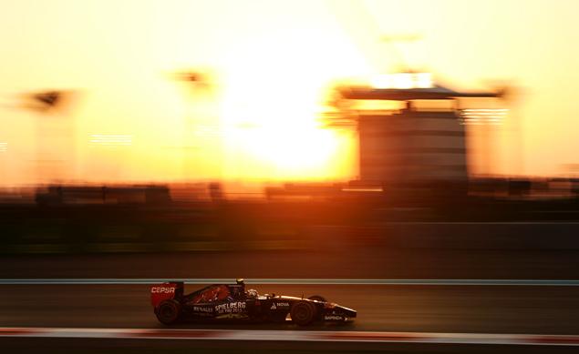Льюис Хэмилтон выиграл в Абу-Даби и стал новым чемпионом Формулы-1. Фото 5