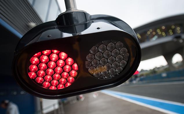 Льюис Хэмилтон выиграл в Абу-Даби и стал новым чемпионом Формулы-1. Фото 17