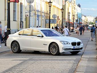 Пассажир новой «семерки» BMW получит отдельный экран