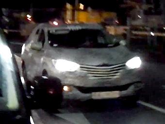 Загадочный кроссовер Renault заметили на испытаниях