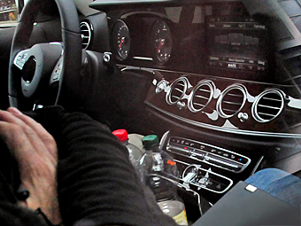 Фотошпионы показали интерьер нового Mercedes-Benz E-Class