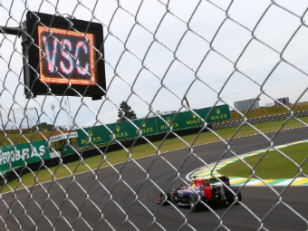 """FIA одобрила появление в Формуле-1 """"виртуального пейс-кара"""""""